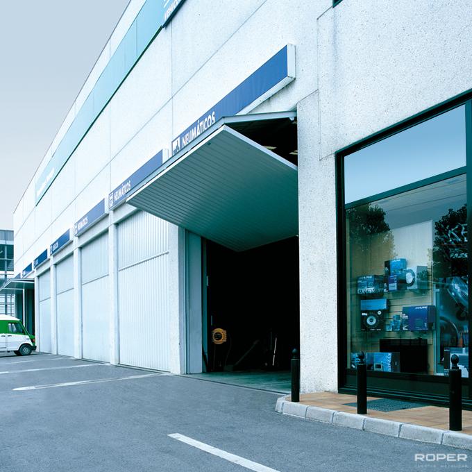 Porte Basculante Industrielle à 2 vantaux 1